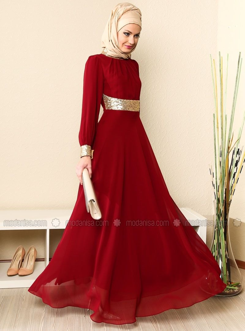The red and gold goes together perfectly. Muslim Dress 0b0f154b4245