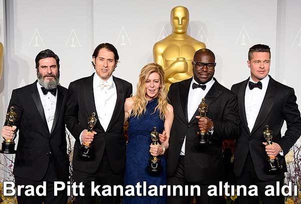 BRAD PİTT ONU KANATLARININ ALTINA ALDI http://goo.gl/WZXFsI Brad Pitt Lupita Nyong'o Angelina Jolie 12 Yıllık Esaret, 12 Years a Slave, oscar, oskar ödülleri, ödüllü, film, filmler  #bradpitt #lupitanyong #lupitanyongofilms #lupitanyongo #lupitanyongofame #angelinajolie #oscars #grafiksaati #dünyadanmagazin #magazin #magazine