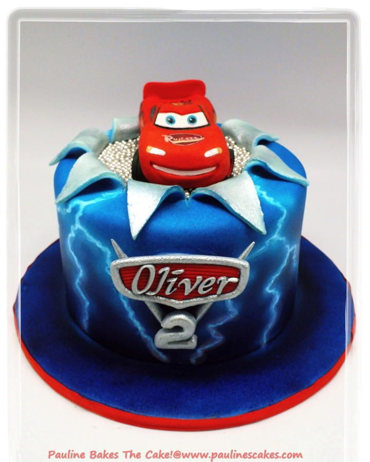 Electrifying lightning mcqueen with airbrushed lightning effect cakes cake decorating - Mac flash mcqueen ...