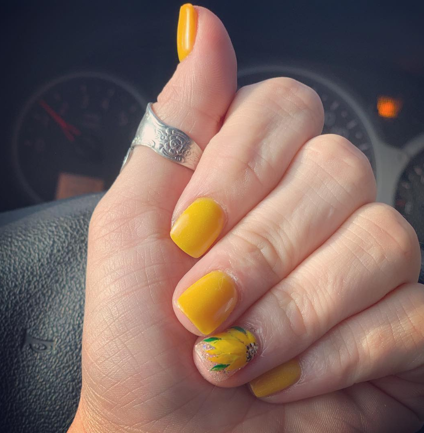 60 Gorgeous Natural Yellow Acrylic Nails Design Spring
