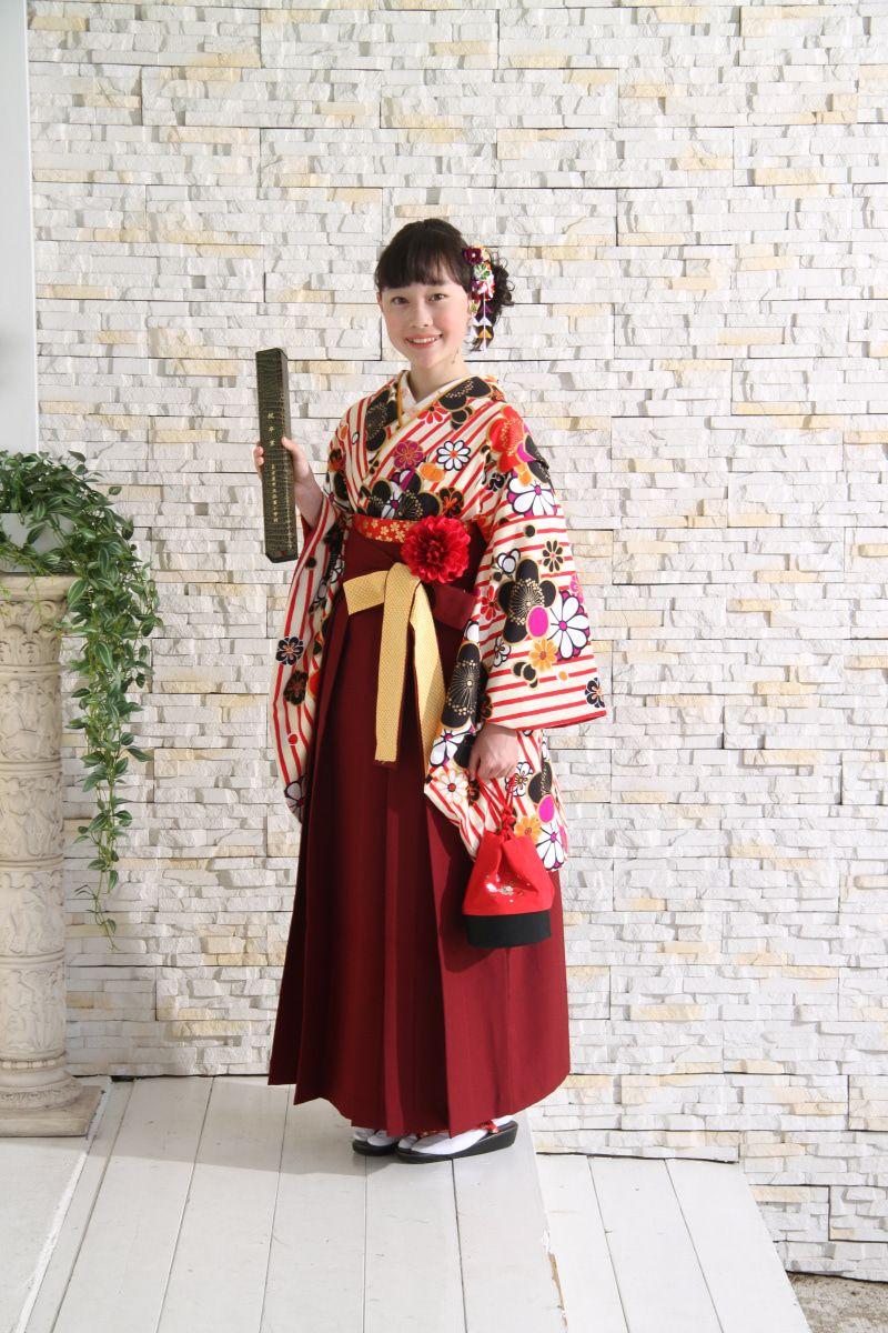 名古屋市の小学生卒業袴レンタルの受付は3月31日から開始します 卒業 袴 袴 卒業式 ヘアスタイル 袴
