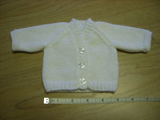 V-Neck Raglan Cardigan for Premature Baby (10\