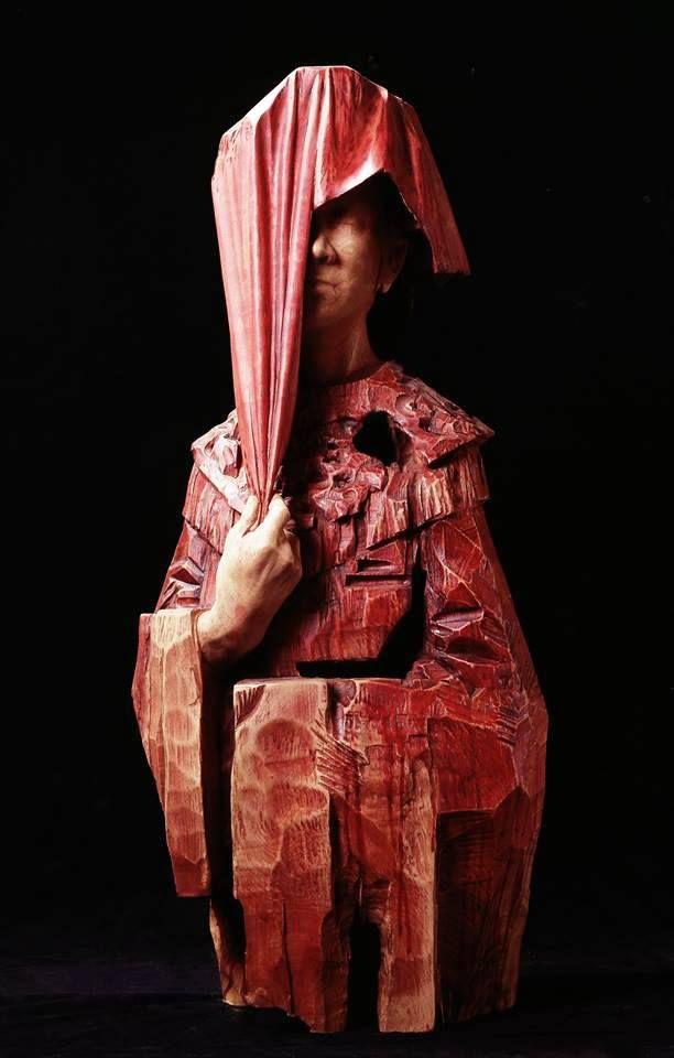 Sculpture By Hsu Tung Han Taiwan Like Pinterest - Taiwanese artist creates wooden sculptures that look like digital glitches