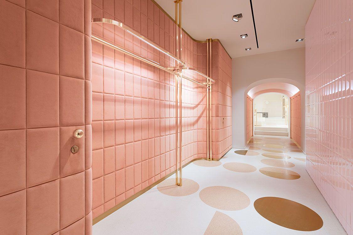 Redvalentino store rome italy shop valentino store for Interior design roma