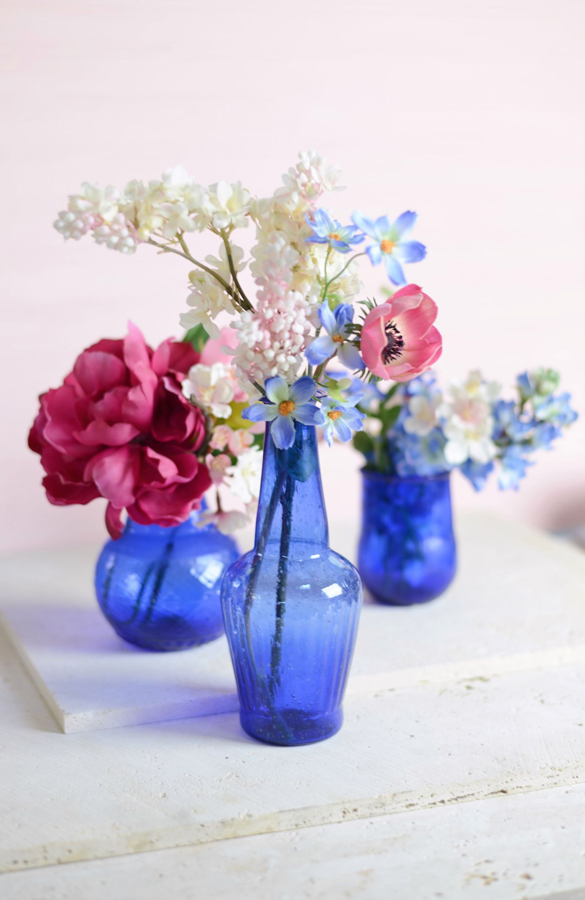Cobalt blue glass 5 vase cobalt blue wedding and centerpieces make your table really pop with these vibrant blue vases cobalt blue is a great reviewsmspy