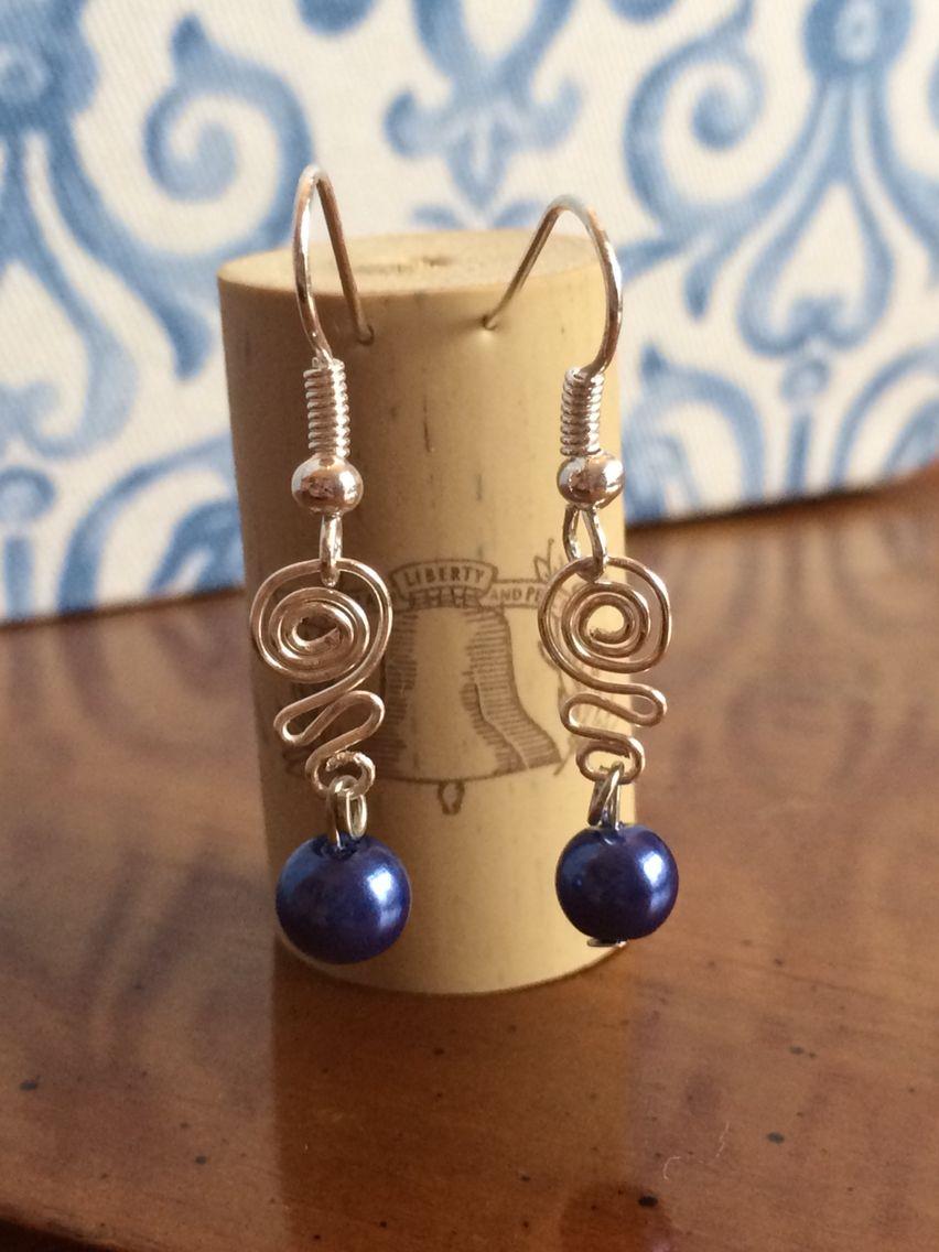 Elegant swirl and pearl
