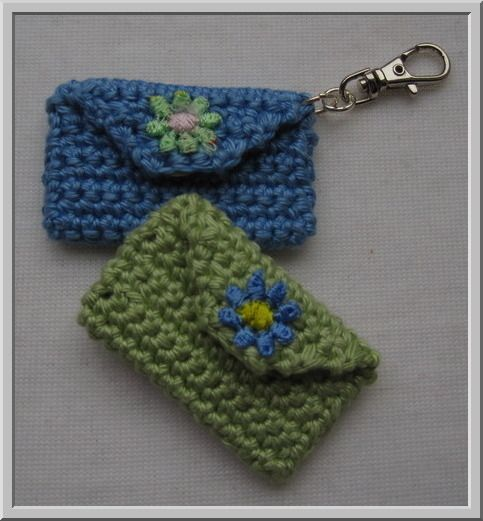 Key Ring Pouch ... Nice little project for leftover yarn! Match to ... | 521x483