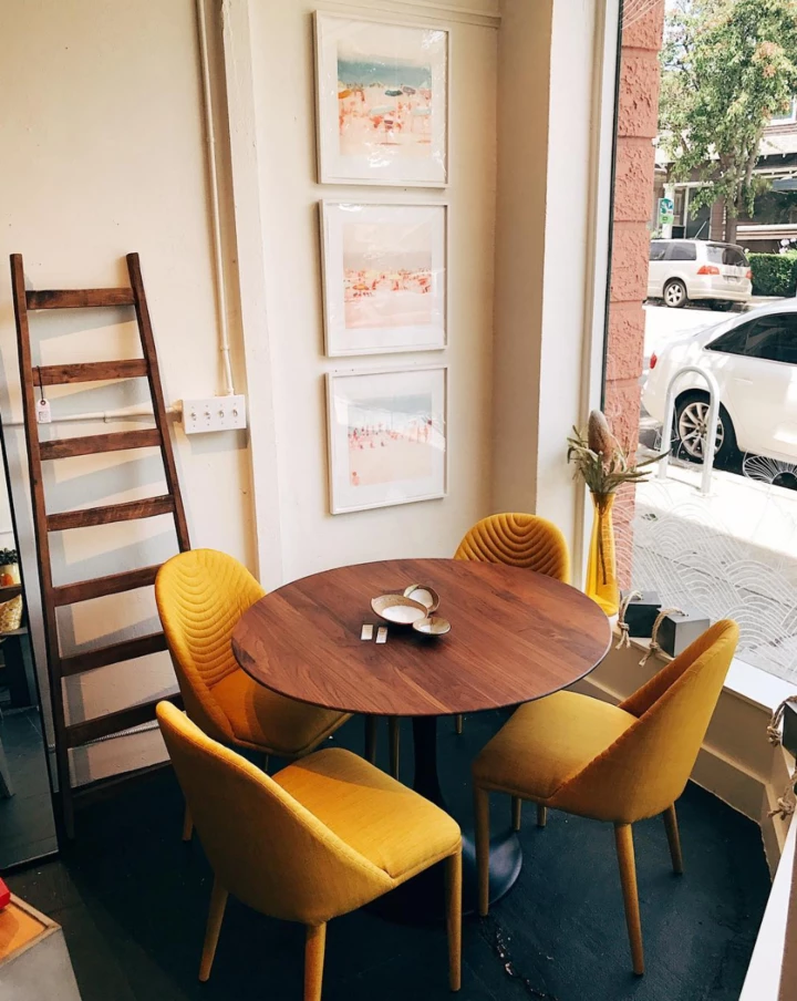 Amarelo Chair Yellow In 2020 Yellow Dining Chairs Plastic