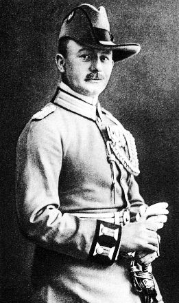 Nov 25 1918 Undefeated German Commander Colonel Paul Von Lettow