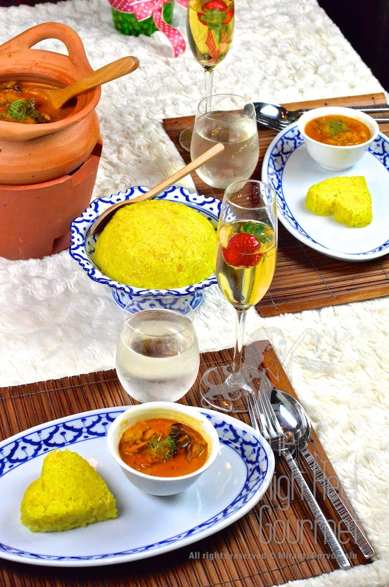 Southern Thai Chicken Curry with Yellow Sweet Sticky Rice ...