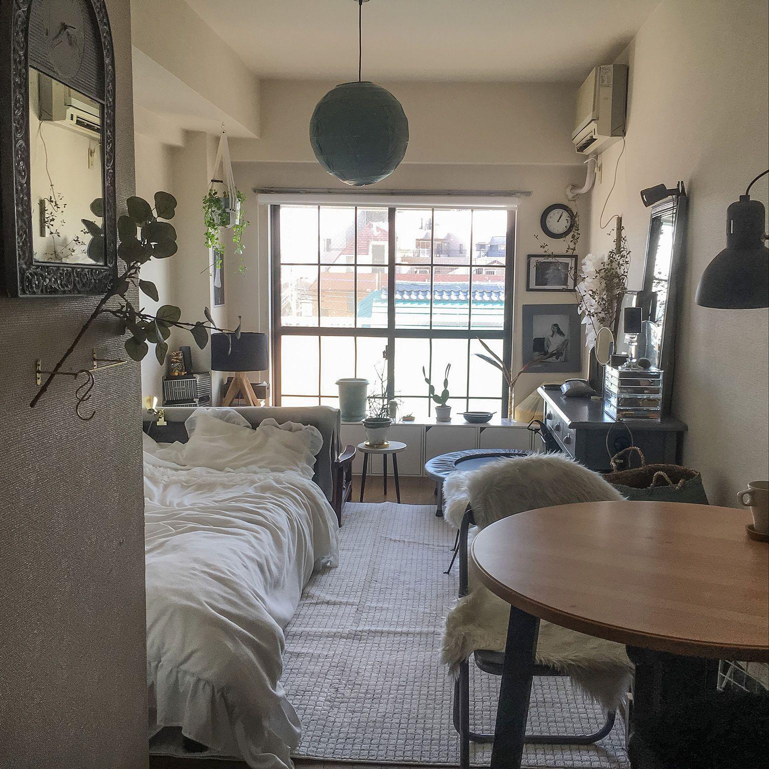 Click Pic For 40 Small Apartment Ideas: ミックススタイル/マンション/ドレッサー/一人暮らし/海外インテリアに憧れる/縦長の部屋…などのインテリア実例