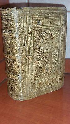 Anno 1596: A wonderful book in a wonderful blindstamped vellum binding!  https://t.co/bxH1QJ0U5s https://t.co/ZEl3iQb1Fh
