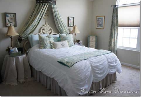 Beautiful room. I love the bed spread/comforter