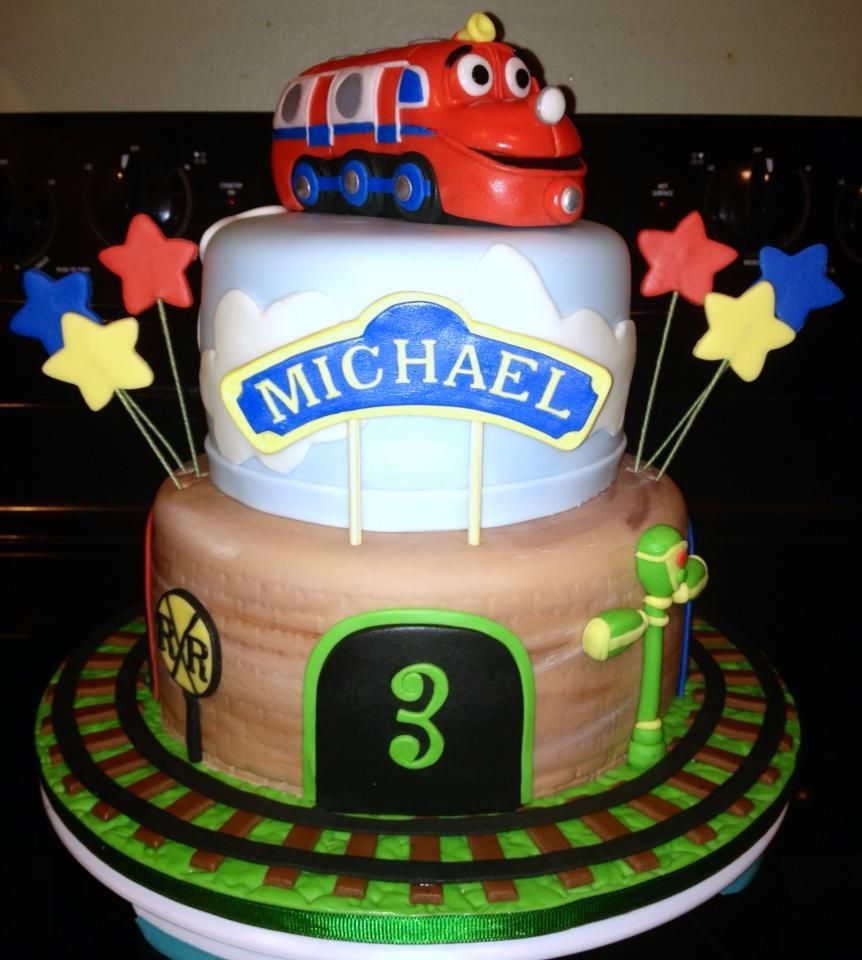 Chuggington Birthday cake Vanilla and chocolate covered and