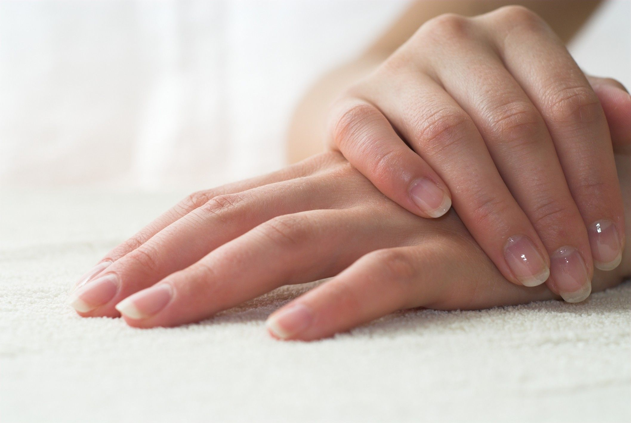 How to take care of our nails and hands in the cold season | White ...