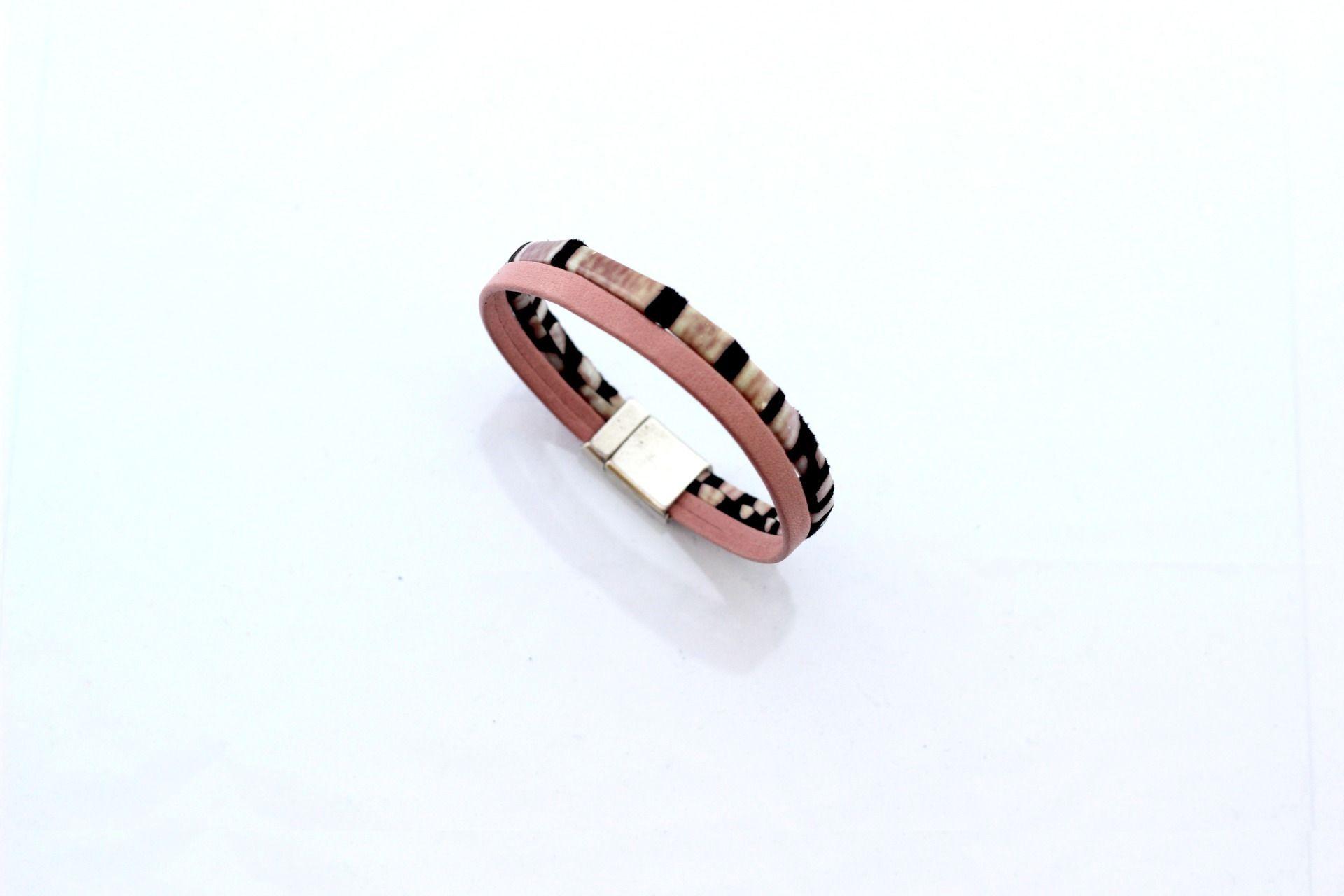 Bracelet Cuirs Rose poudré et Rose motif écaille (Taille personnalisable à la…