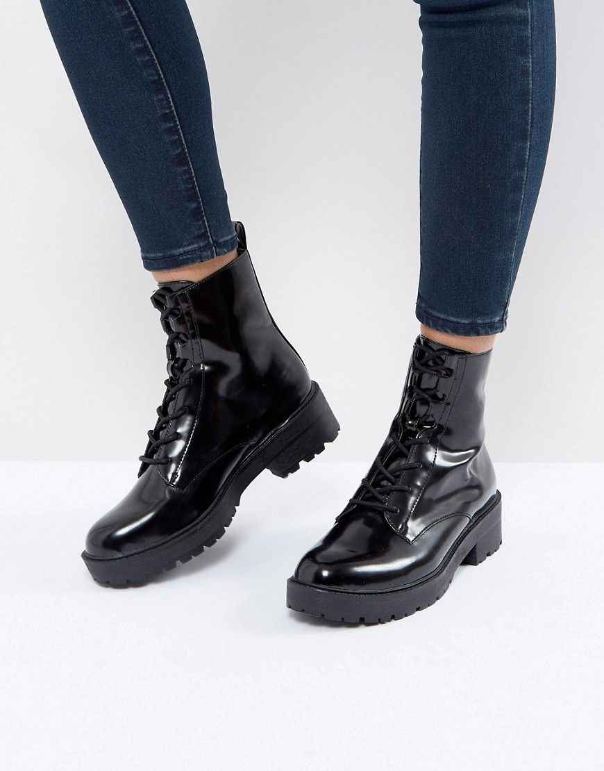 bc12fee9ca Bershka Vinyl Chunky Shoe Boot - Black Loafer Shoes, Wedge Shoes, Shoes  Sandals,