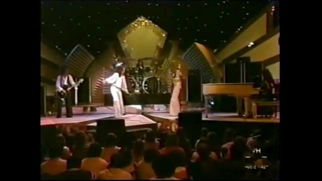 Journey - Wheel In The Sky (Live on The Midnight Special 1978) WIDESCREE...