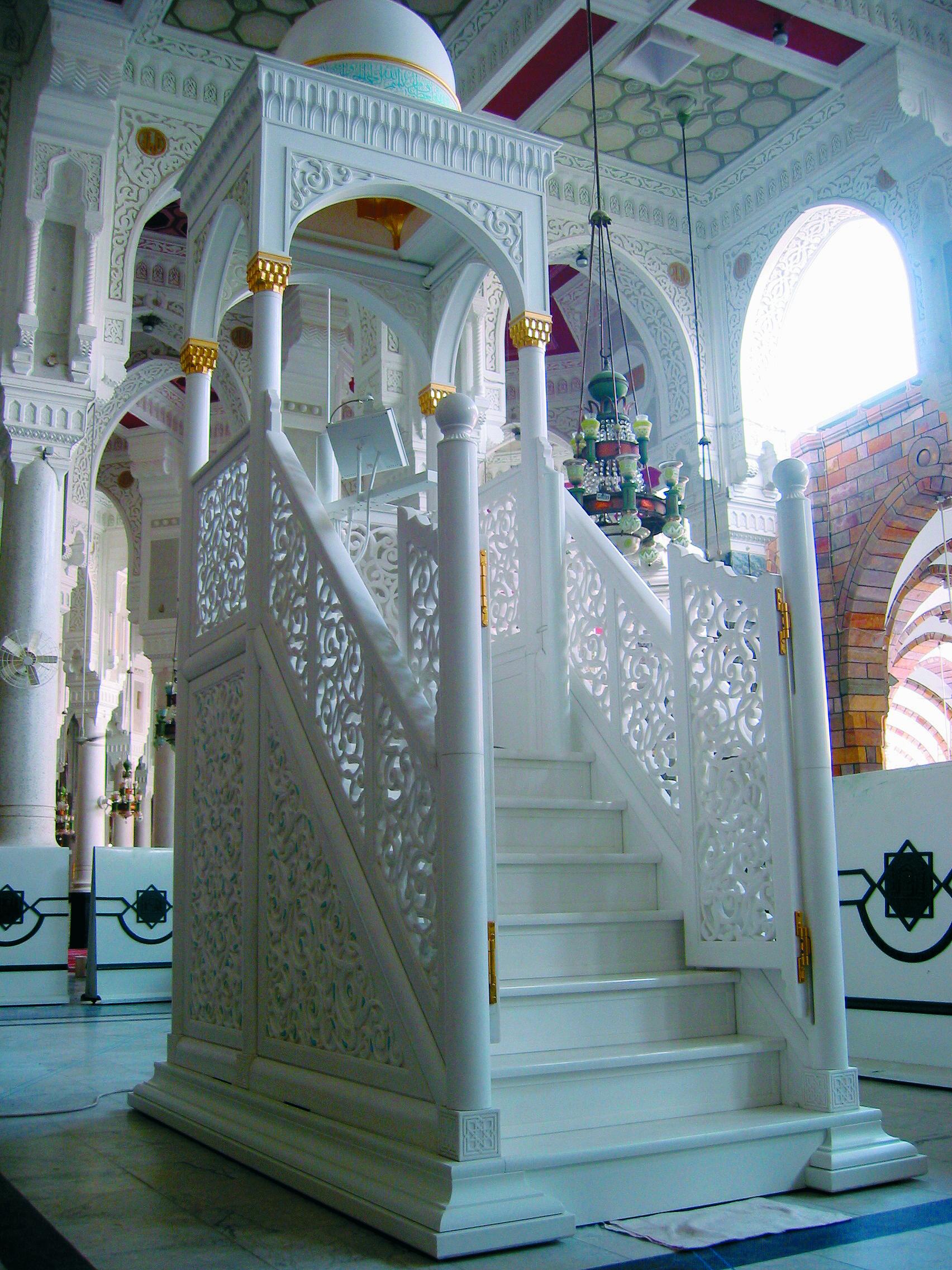 минбар в мечети картинка использовать дупло старого