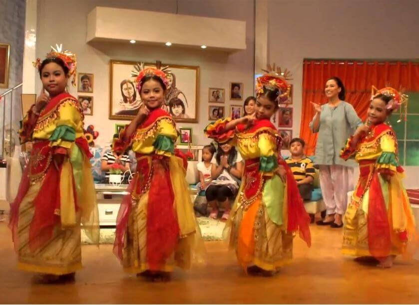 Nama Tarian Tradisional Daerah Indonesia Beserta Gambar Dan Asalnya Menggambar Pakaian Gambar Tarian