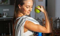 (Zentrum der Gesundheit) - Ohne Muskeln können selbst schlanke Menschen unansehnlich sein. Denken Sie also nicht nur daran, überschüssige Pfunde zu verlieren, sondern auch an einen gesunden Muskelaufbau. Je besser Ihre Muskulatur ausgebildet ist, umso attraktiver, vitaler und gesünder ist Ihr Körper – und umso mehr Kalorien verbrennt er in Ruhephasen. Was aber braucht es für einen gesunden Muskelaufbau? Training natürlich. Und ausserdem die richtige Ernährung. Die 15 gesündesten Lebensmittel…
