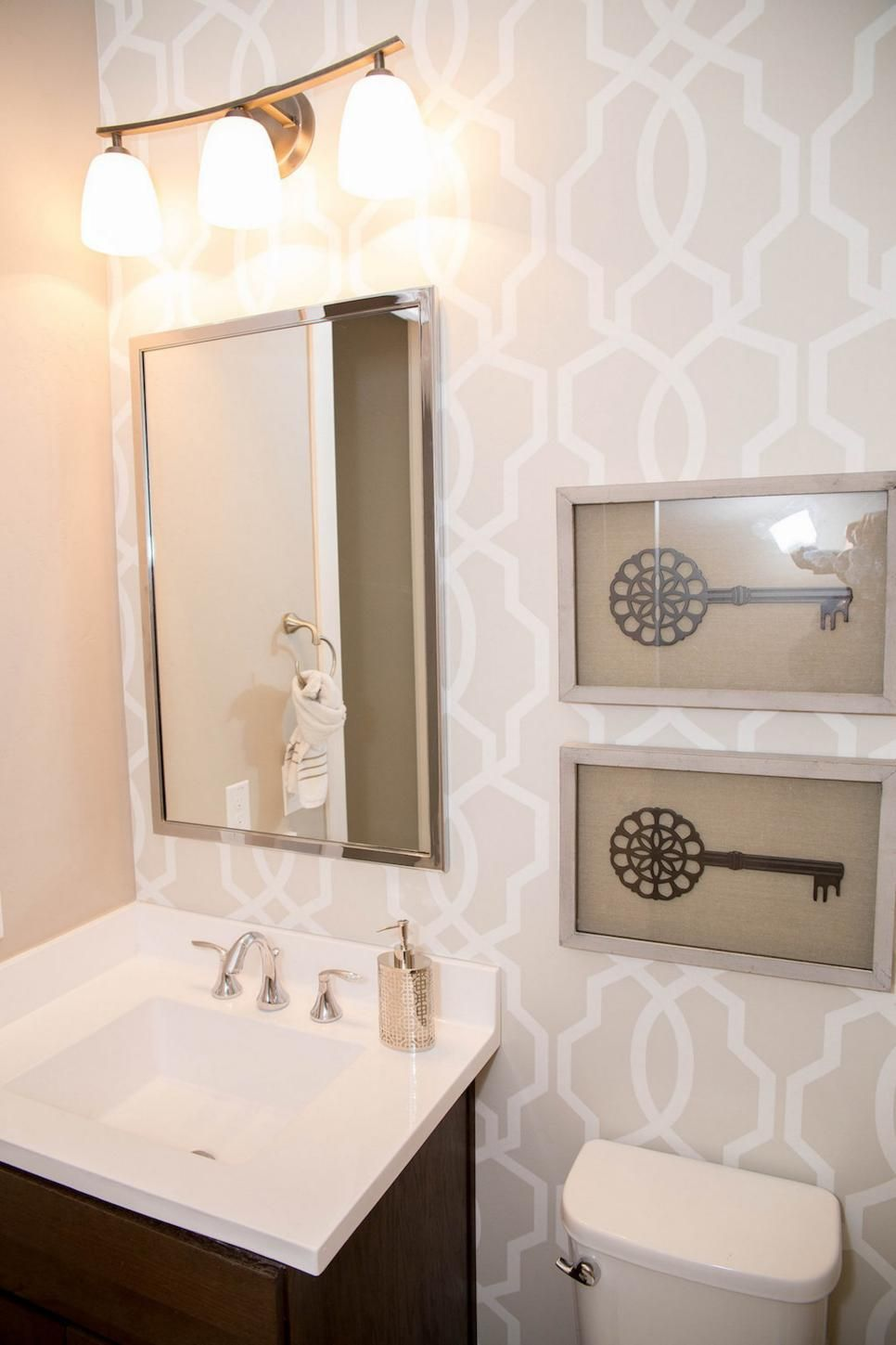 Neutral Graphic Wallpaper Takes Small Bathroom