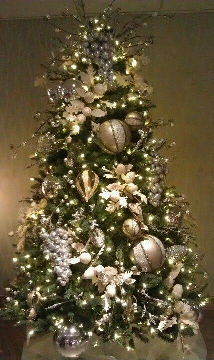Pin By Karen Spradley Marshall On Decoration Xmas Decorations Christmas Tree Decorations Xmas Tree