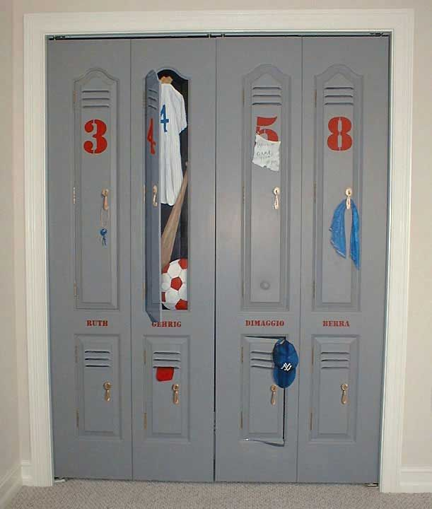 Superbe Locker Painted On Closet Door