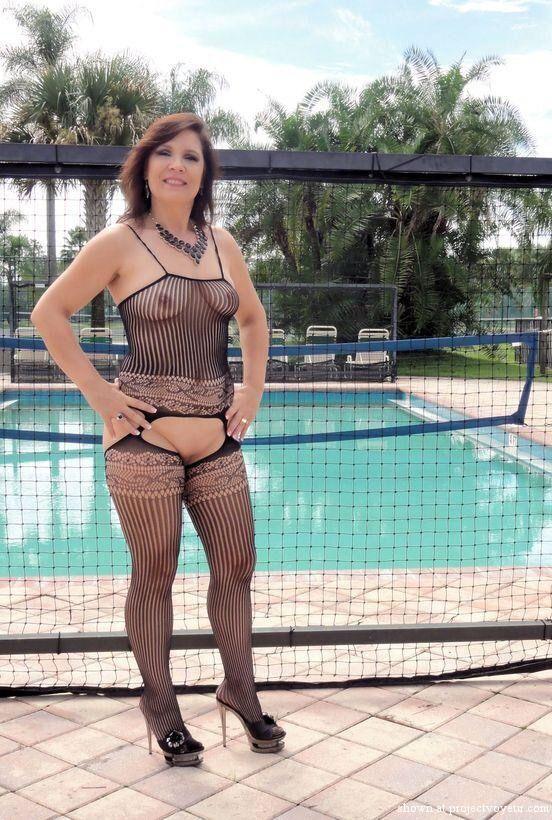 Mature wife photo post