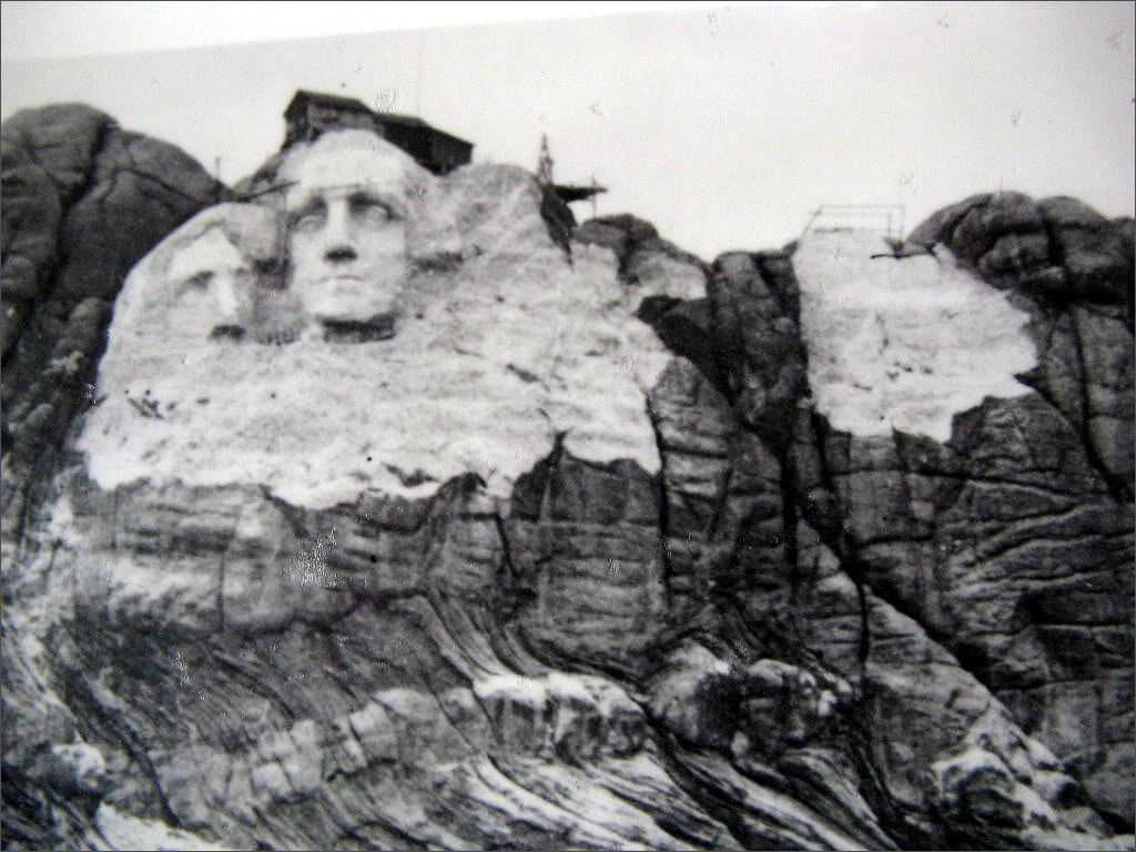 This day in history oct 4 1927 work begins on mount for Mount rushmore history facts