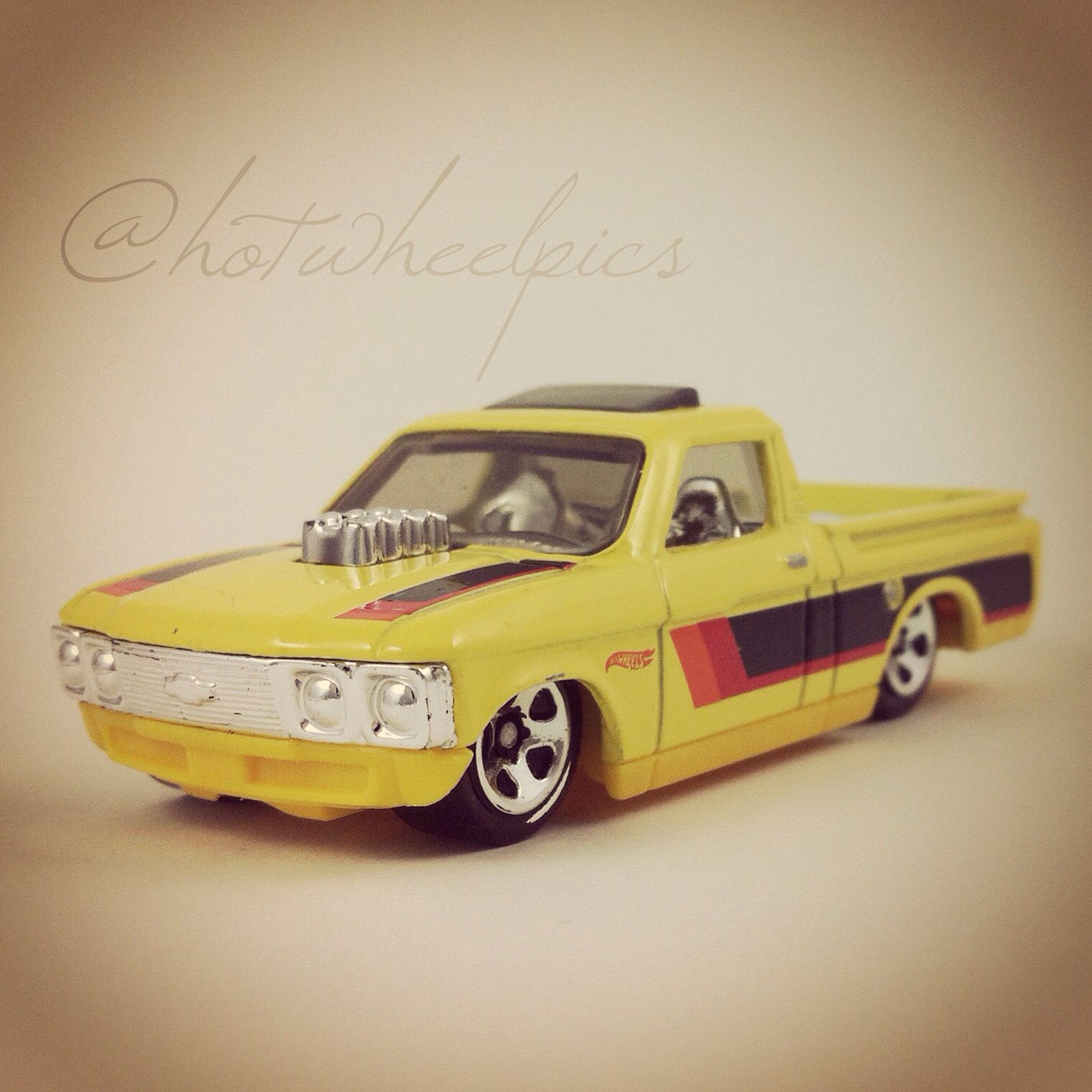 Custom 72 Chevy Luv 2016 Hot Wheels Hot Trucks Hotwheels