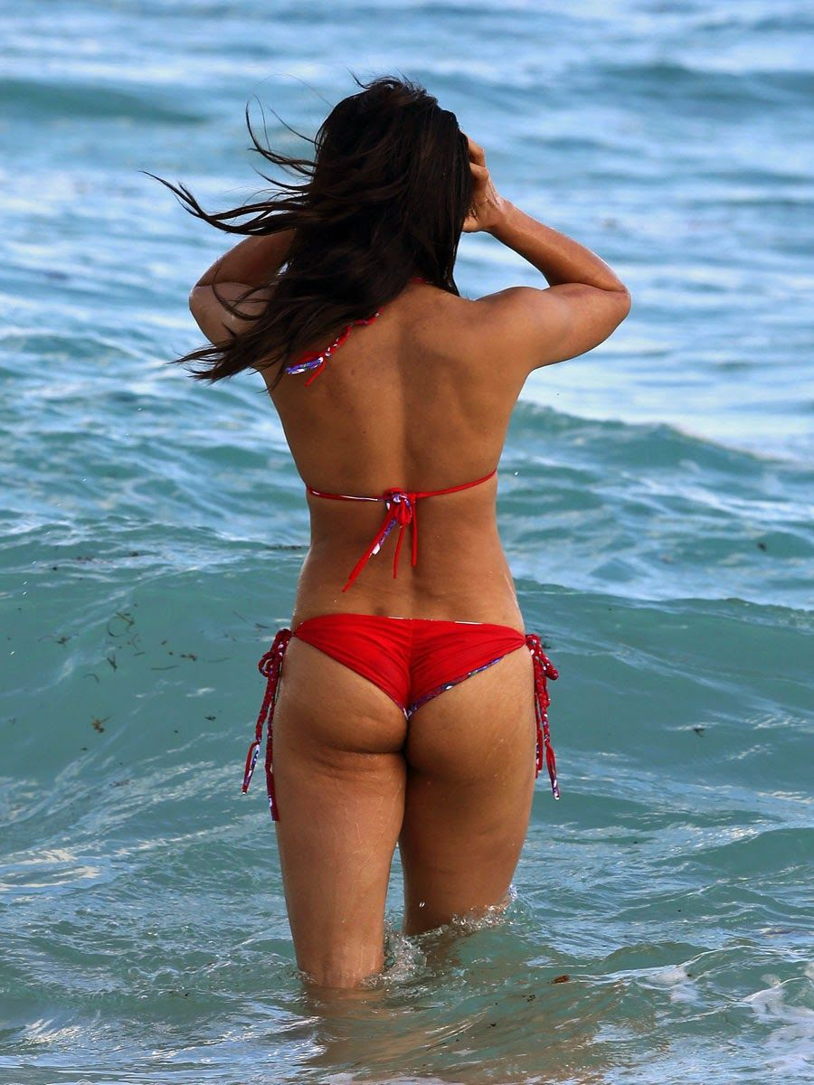 Indo-American Tv Actress Padma Lakshmi Hot Bikini Body At -4134