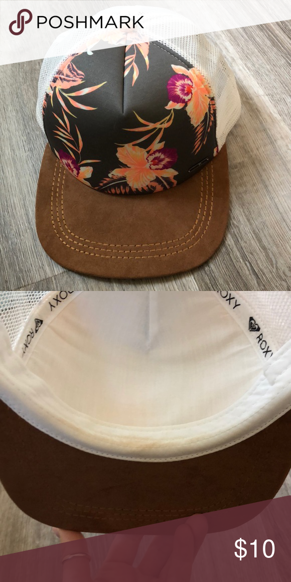 e2ea30baf91 Roxy hat Only worn once. In perfect condition. There is some slight makeup  residue inside the hat