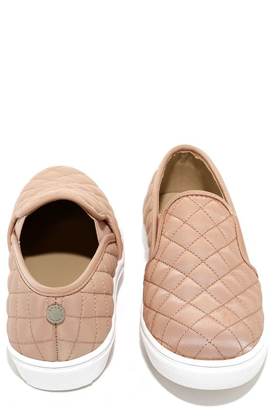 5d77d2bc604 Put your unique style on display with the Steve Madden Ecntrcqt Blush  Quilted Slip-On Sneakers! Quilted fabric covers these cool