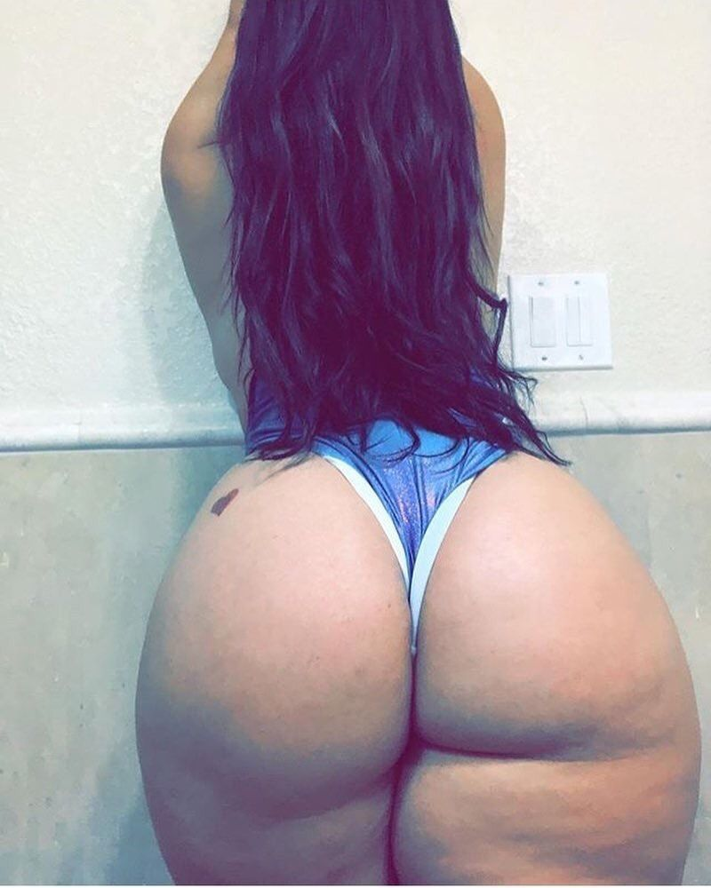 Lesbian Thick White Girl