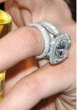 Khloe Kardashian With Images Kardashian Engagement Ring Celebrity Engagement Rings Future Engagement Rings