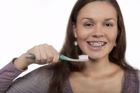 Por qué se debe cambiar el cepillo dental cada 3 meses   ad0581a999b8