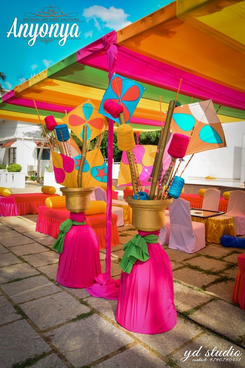 Kites In Mehendi Decor In 2018 Weddingdecorations Pinterest