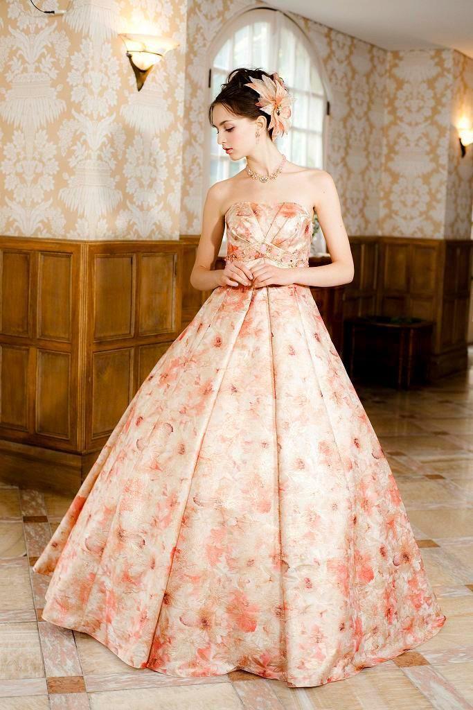 a3097a7532b0b 『エメ』のドレスにきゅんとする♡可愛すぎるカラードレス色別まとめ*にて紹介している画像