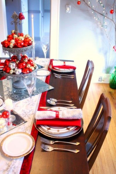 Red Silver Christmas Table Setting Holiday Table Decorations Christmas Table Settings Holiday Table Settings