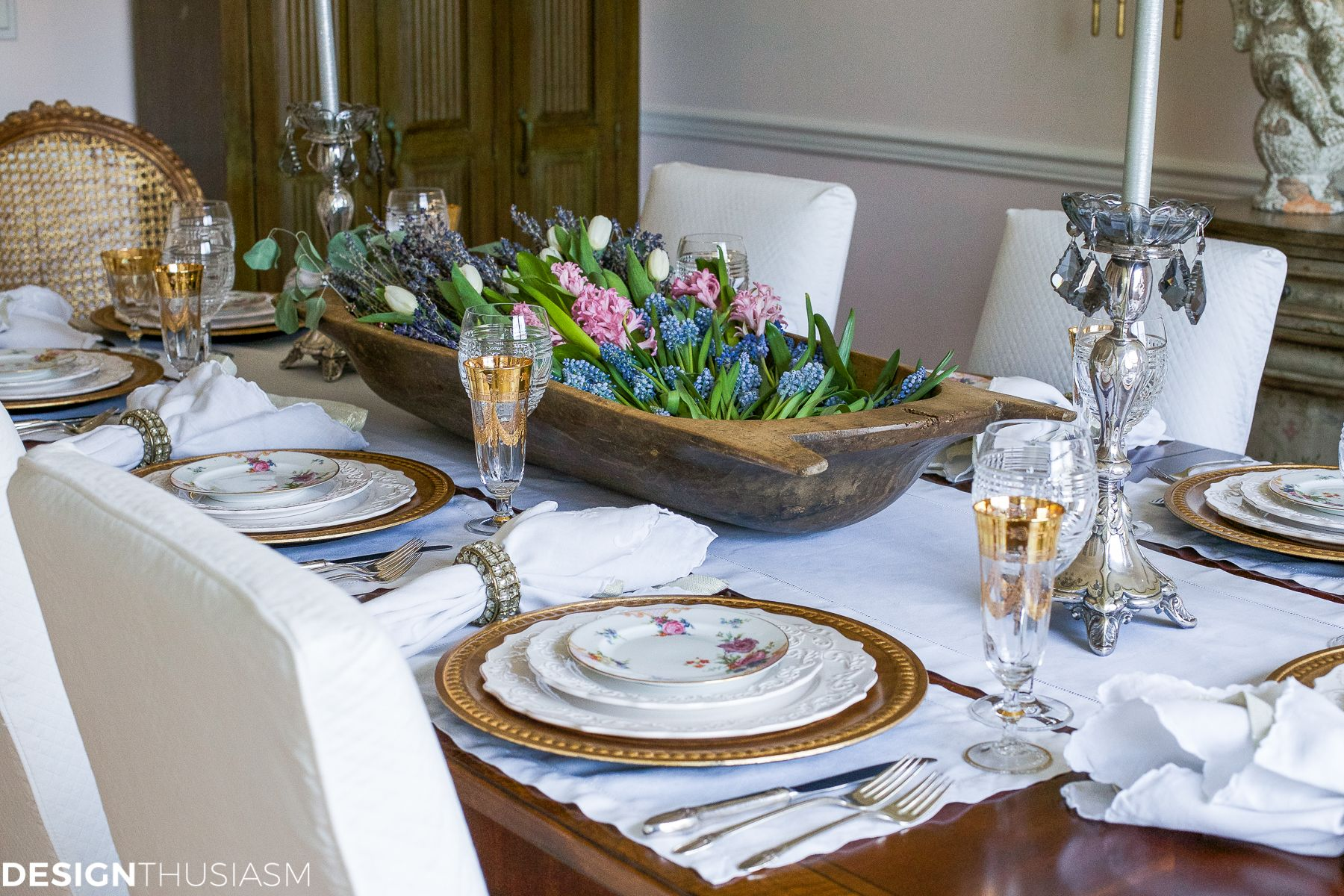 Dining Room Table Centerpieces, French Country Dining Room Table Setup