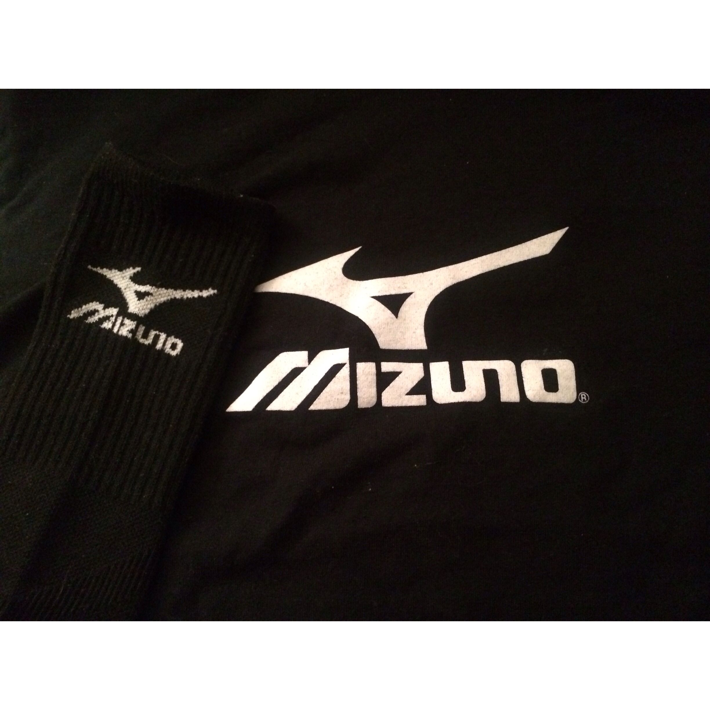 6 Get A Picture Of The Logo The Mizuno Logo On My Socks And Shirt Pinittowinit Usavolleyball