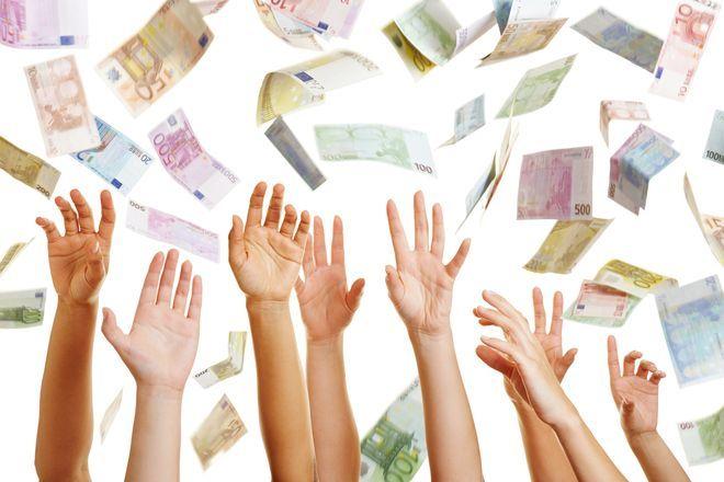 ¿Cómo puedo conseguir dinero