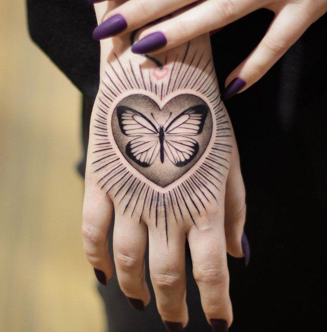 Butterfly Heart Hand Tattoo 3d Tattoos Custom Design Tattoo Ideas 3deffect Blackwork Butterfly In 2020 Butterfly Hand Tattoo Cute Hand Tattoos Small Hand Tattoos