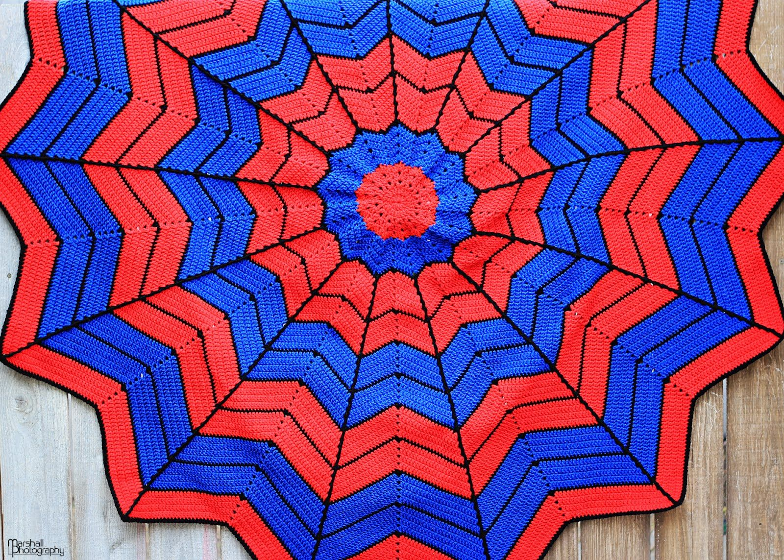 Tada! Rob\'s Spider-Man afghan. Isn\'t it spiffy? I\'ve never made a ...