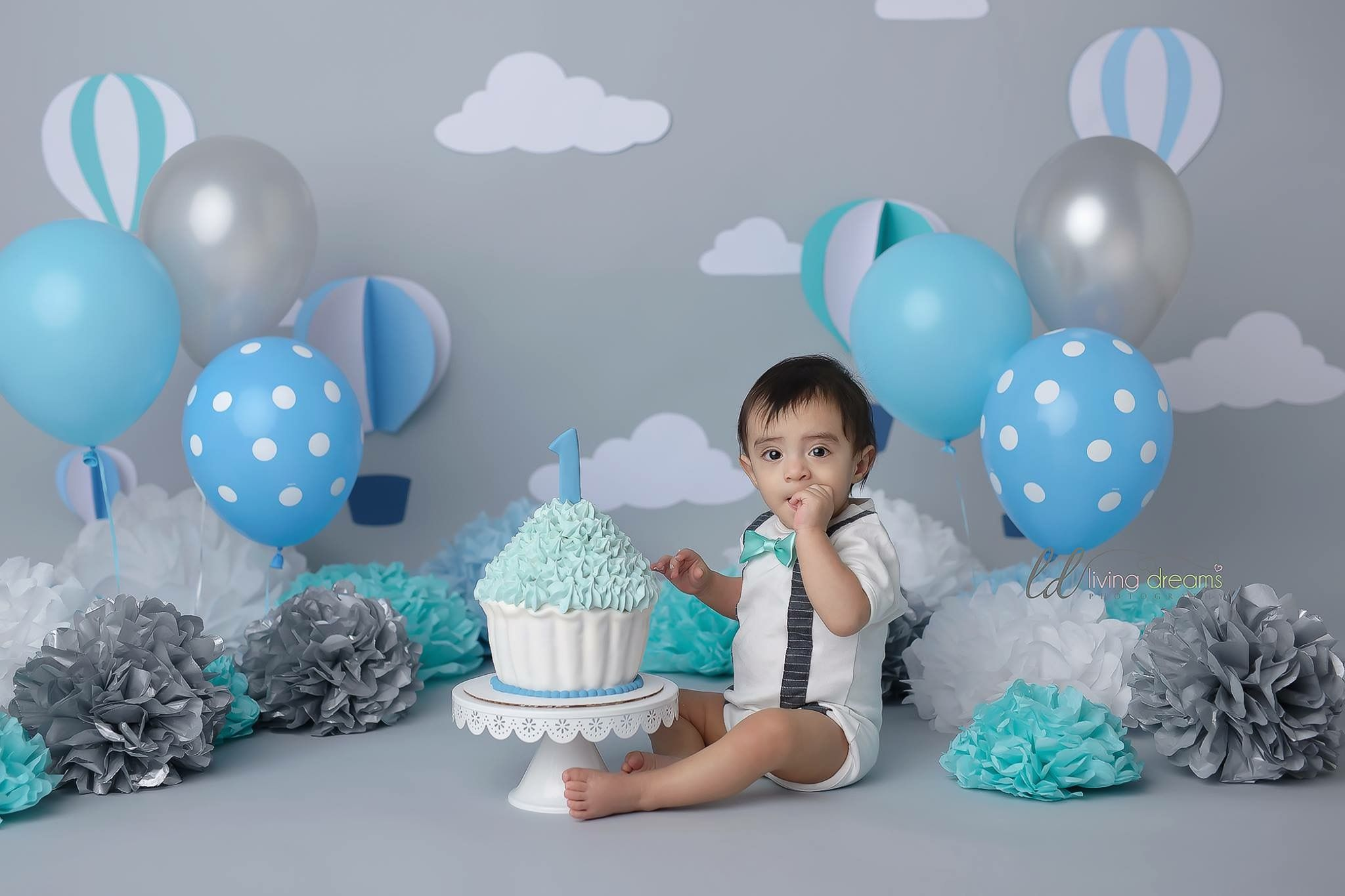 Cloud backdrop first birthday photoshoot Baby first