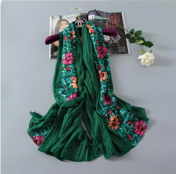 The different region amorous feelings restoring ancient ways Clearly the wind a scarf Pure cotton material Exquisite embroidery To the quiet and beautiful you Size: 180 *90 cm Material: 100% cotton