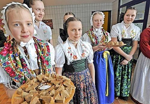 """Internationales Folklorefestival """"uica/Lausitz"""" 2015 geplant Bautzen evangelisch und katholisch"""
