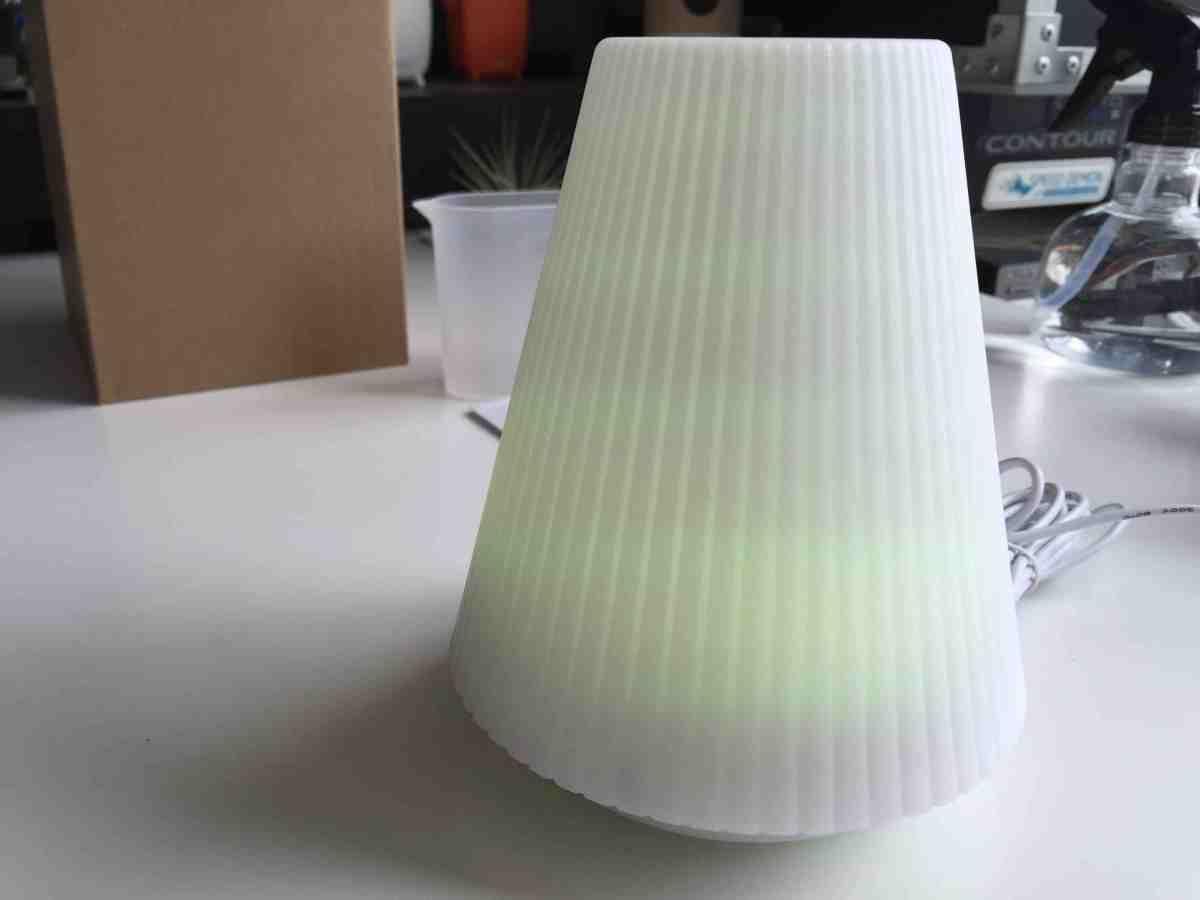 Arofume アロマ ランプ ディフューザー 超音波式 加湿器 低騒音 空焚き防止機能搭載 時間設定 多色変換 LED付き 100ml容量 (ホワイト)