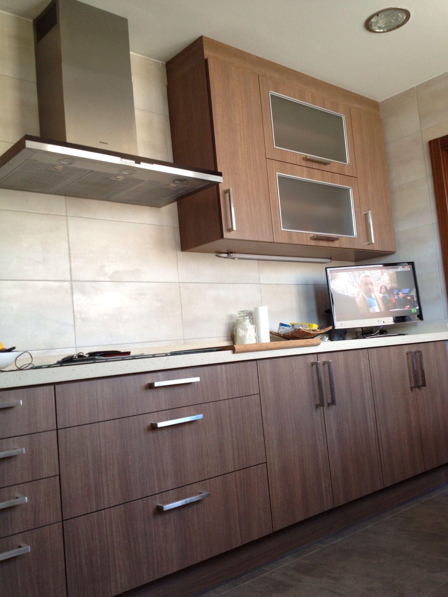 Este es el resultado de la reforma de cocina realizada con muebles ...